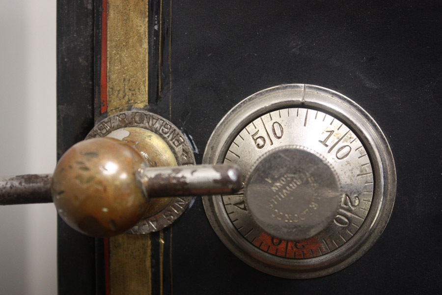 How Do I Open My Safe? | Combination Safe Lock Dialing Procedures