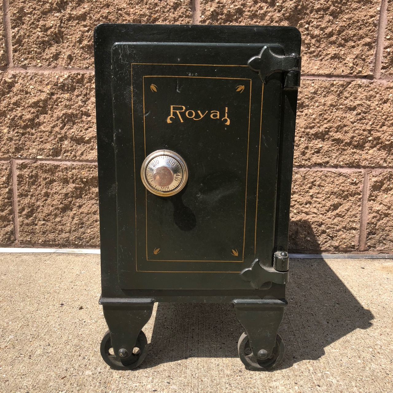 Click to view full size. - Buy, Sell Antique Safes Antique Safes For Sale Grand Rapids Michigan